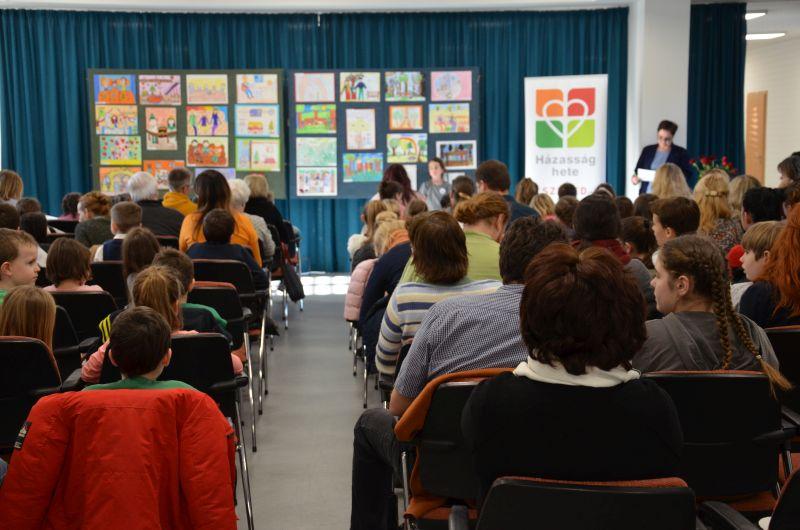 Egyházmegyei rajz- és szavalóverseny a Karolina Iskolában
