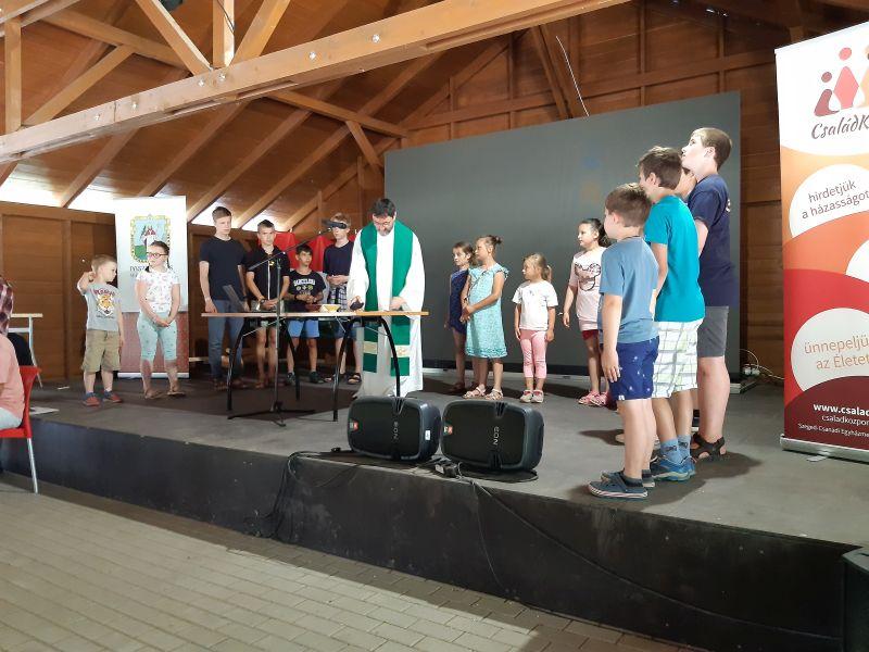 Egyházmegyei családok a családi Erzsébet-táborban