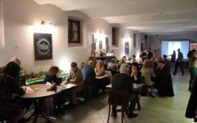 Egységet KÉPezünk- kávéházi randevú házaspároknak